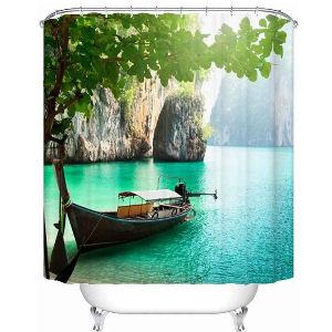Cortina de ducha con imagen de una barca y naturaleza